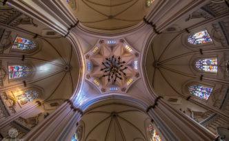 2016-07-basilica_de_lourdes_bh_dsc_1405